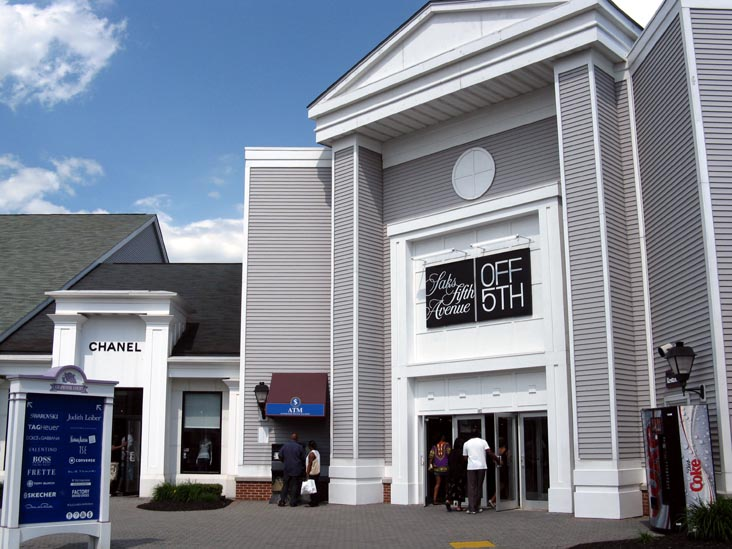 Saks Fifth Avenue OFF 5TH, Old Navy, and Carter's Sign Leases at