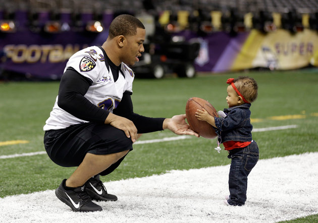 Ray-Rice-and-Daughter-Rayven baby girl