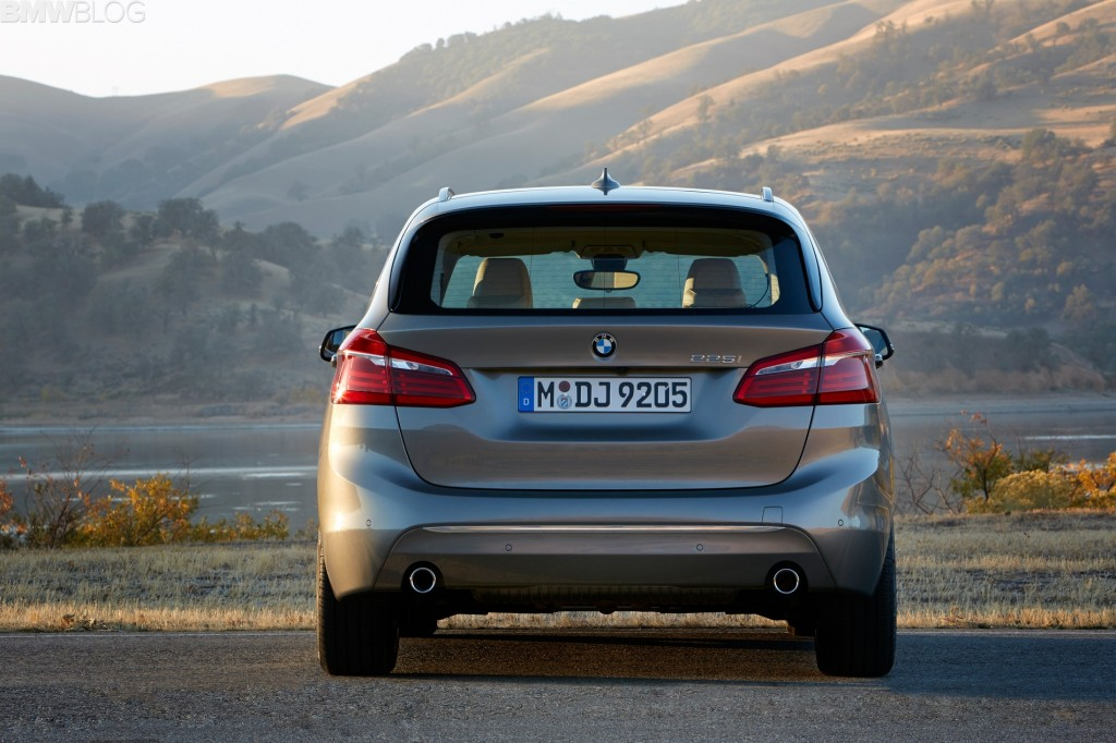 BMW 2 Series Active Tourer main 2
