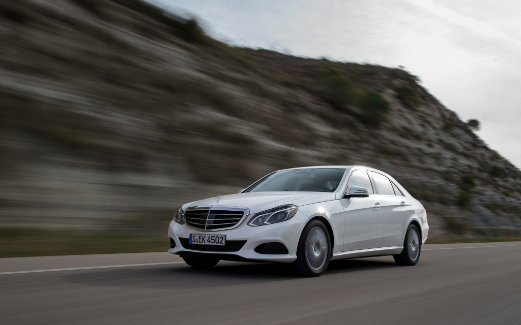 Mercedes benz usa selling more luxury cars than ever in for Mercedes benz customer service usa