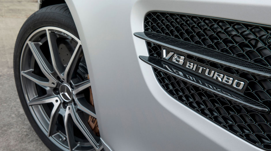 Mercedes-Benz 2016 Mercedes-AMG GT S 5