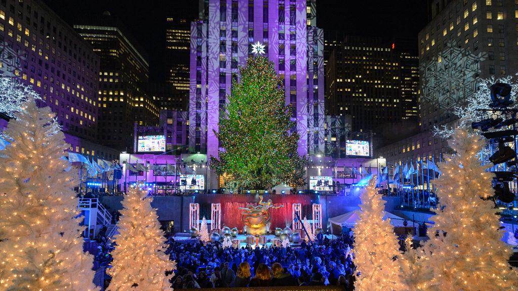 barneys-new-york-holiday-window-main-mosnar-communications